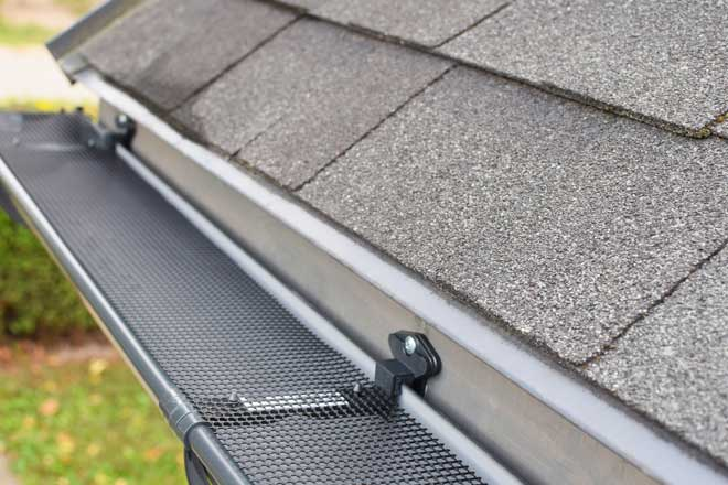 Vinyl Gutters with Plastic Guard