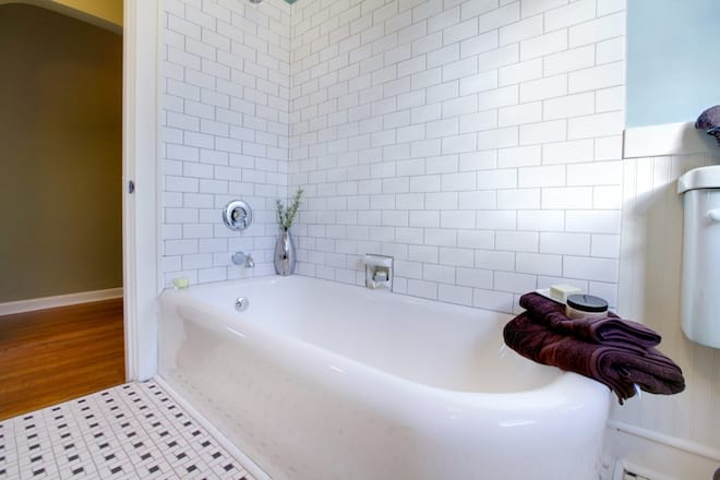 Enameled Cast Iron Bathtub