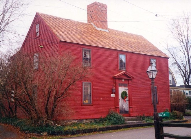 Saltbox Home in New Castle, NH